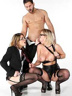 Amateur Ffm Threesome Stockings