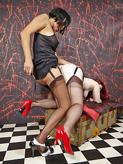 Enjoy Of Lesbian Stockings Porn Pictures